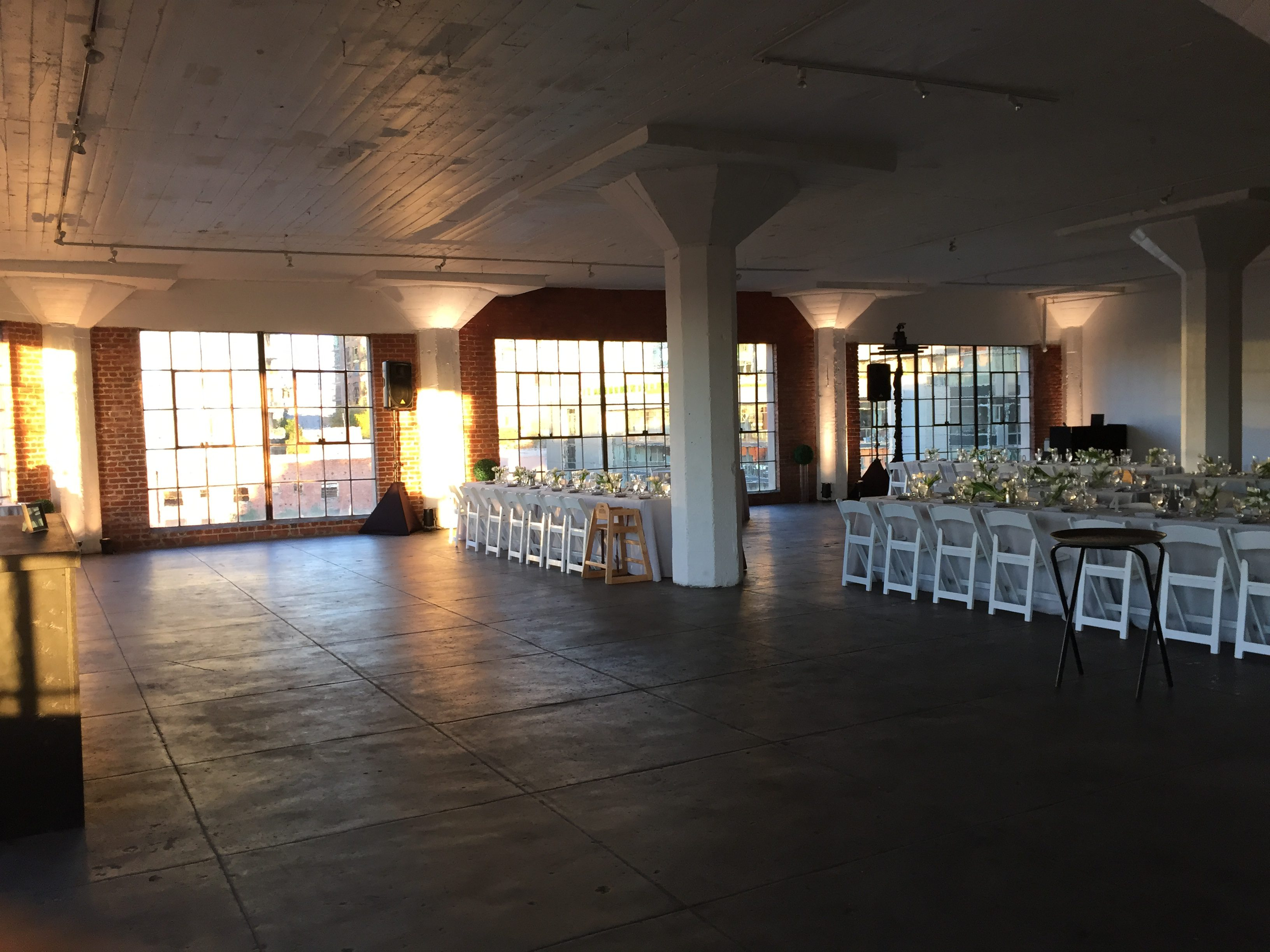 hudson_loft_wedding_dj_uplights_1