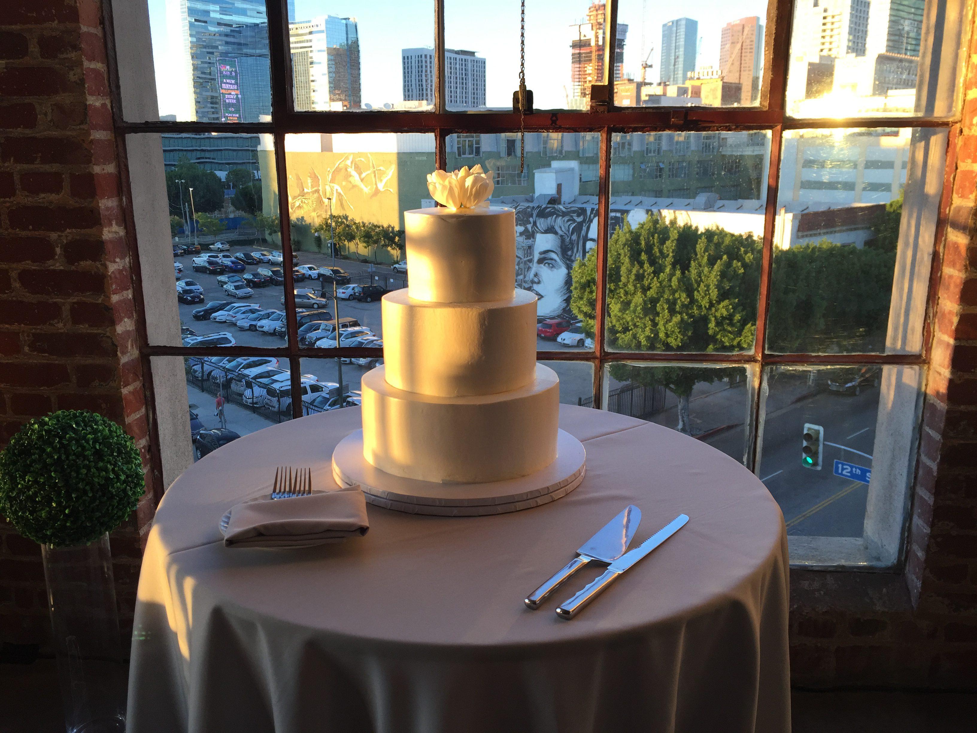 hudson_loft_wedding_dj_uplights_4