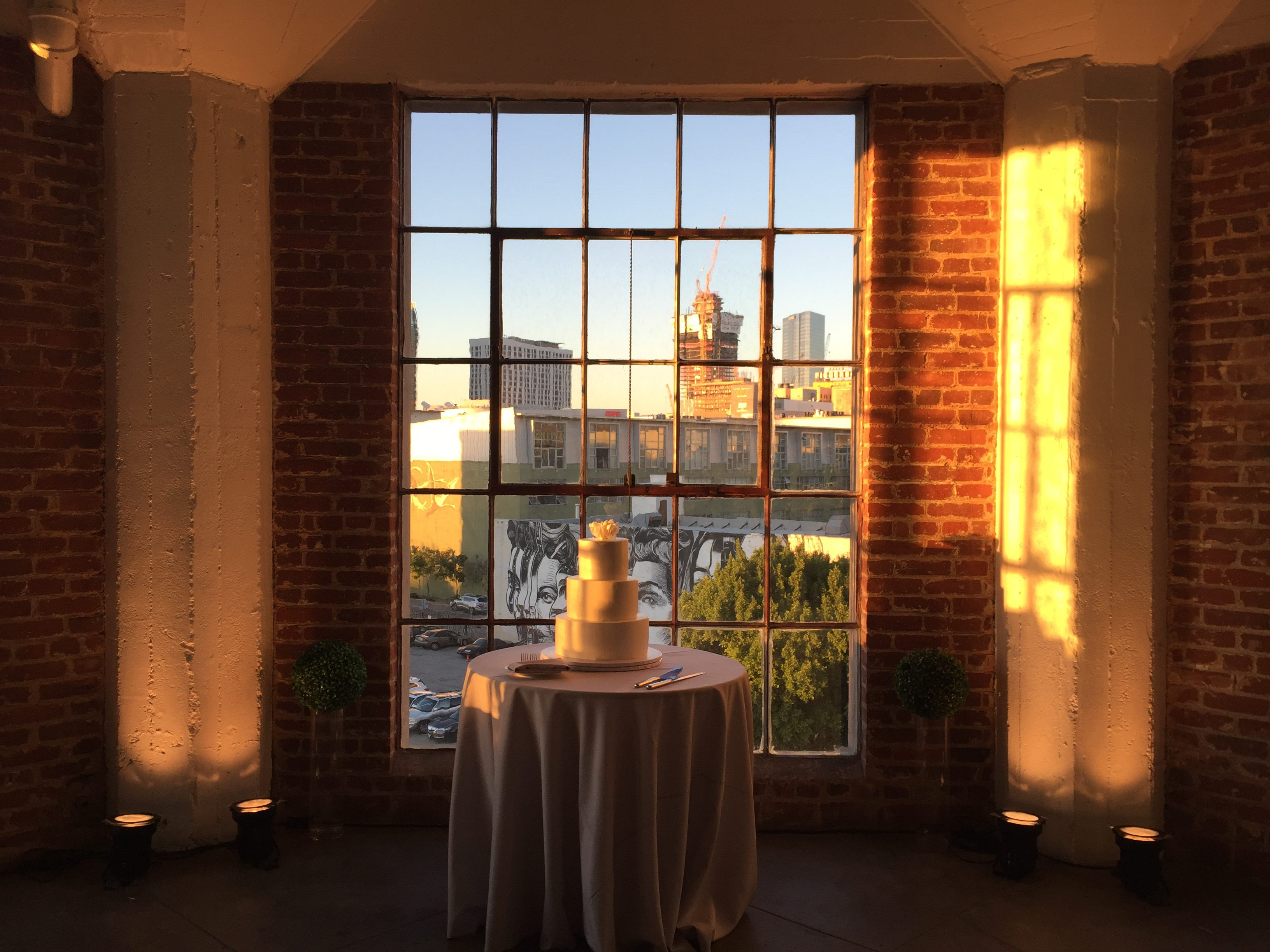 hudson_loft_wedding_dj_uplights_5