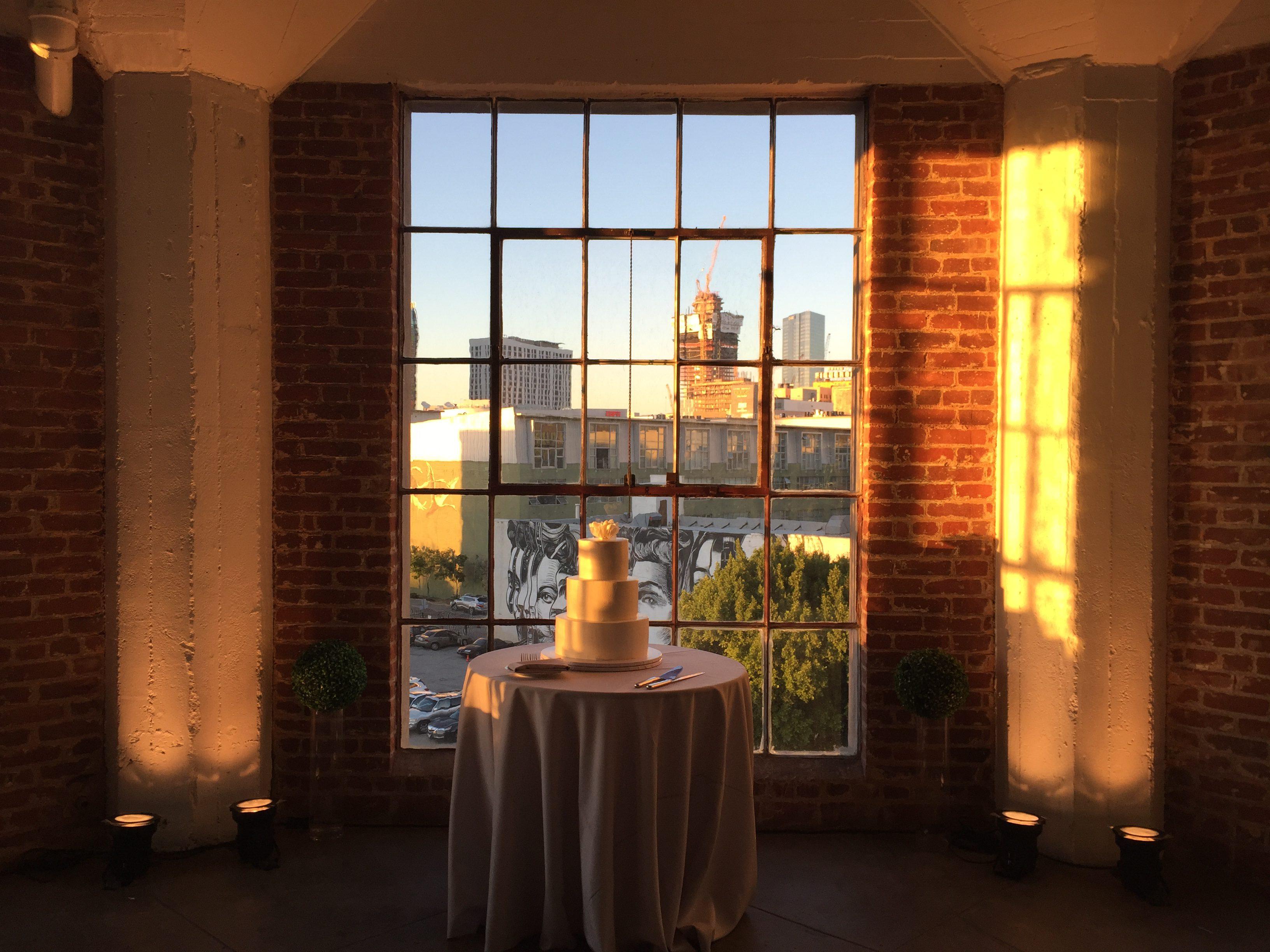 hudson_loft_wedding_dj_uplights_5